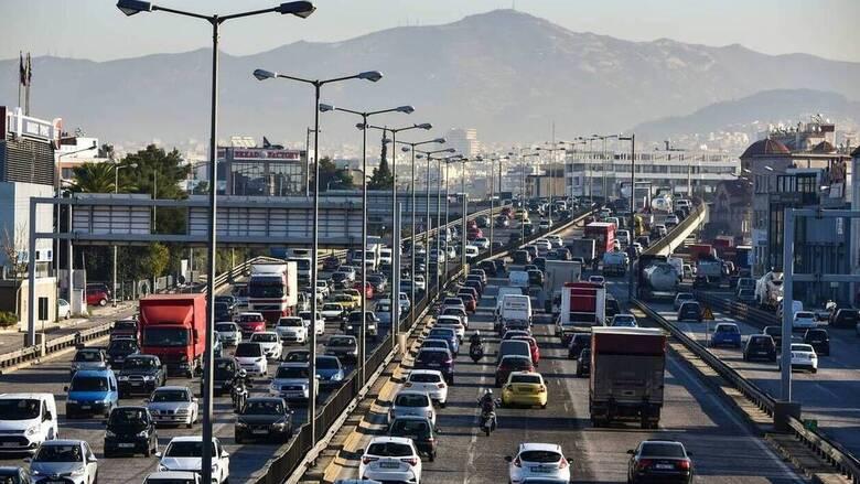 «Έκρηξη» 355,3% στις πωλήσεις αυτοκινήτων τον Απρίλιο