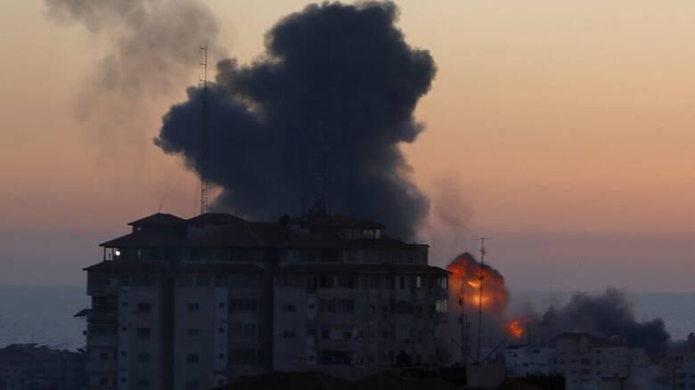 Φυγή αμάχων εν μέσω επιδρομών στη Γάζα - Η «φωτιά» εξαπλώνεται στη Δ.Όχθη