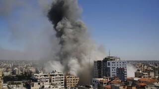 Ανελέητο σφυροκόπημα της Γάζας - Παγκόσμια ανησυχία μετά το βομβαρδισμό γραφείων ΜΜΕ