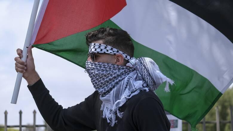 Σε αμηχανία ο Αραβικός κόσμος μετά την ανάφλεξη στο Παλαιστινιακό