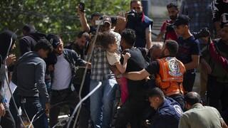 Βαμμένη στο αίμα παιδιών η Γάζα - Αψηφά φωνές για αποκλιμάκωση ο Νετανιάχου