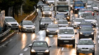 Αυξημένη κίνηση στους δρόμους - Μποτιλιάρισμα χιλιομέτρων στον Κηφισό