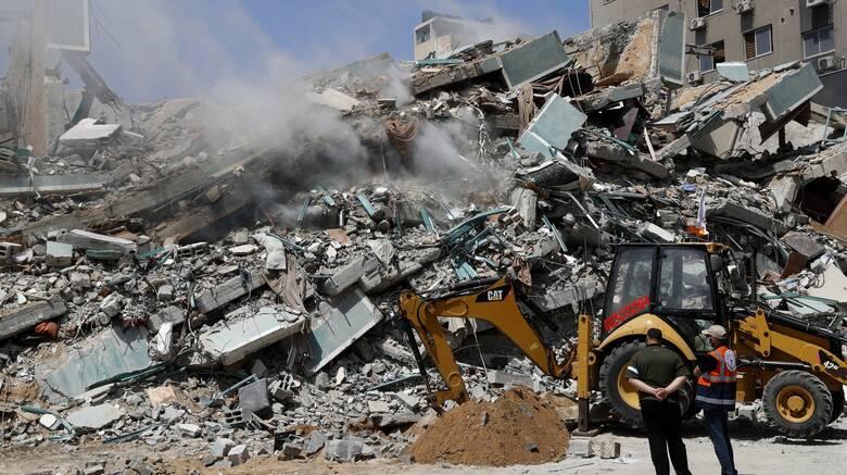 Σε ανθρωπιστικό συναγερμό η Γάζα: Κομμένο ρεύμα και νερό, ανθρώπινα απόβλητα στους δρόμους