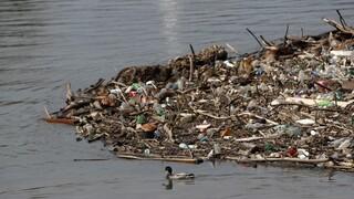 Greenpeace: Τα πλαστικά απόβλητα της Βρετανίας καταλήγουν παράνομα στην Τουρκία