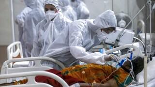 Κορωνοϊός - Ινδία: Σχεδόν 1.000 γιατροί και νοσηλευτές έχουν πεθάνει από covid