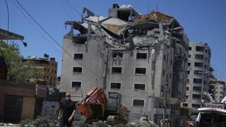 Μέση Ανατολή: Νέος βομβαρδισμός κτηρίου στη Γάζα - Δεκάδες νεκροί, χιλιάδες εκτοπισμένοι