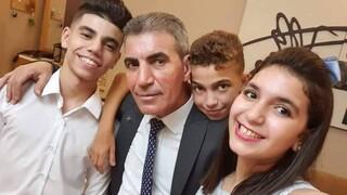 Ένας «Παλαιστίνιος Έλληνας» μεταδίδει από τη Γάζα