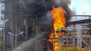 Φωτιά στις εγκαταστάσεις της Motor Oil