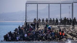 Μαζικές απελάσεις μεταναστών από την Ισπανία - Πώς πέρασαν τα σύνορά της 8.000 σε λίγες ώρες