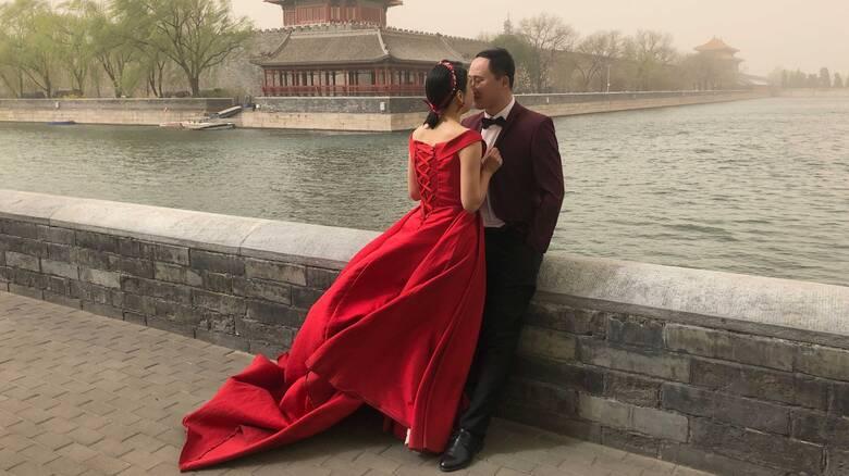 «Βουτιά» στα διαζύγια στην Κίνα: Μειώθηκαν κατά 70% με… κυβερνητική παρέμβαση