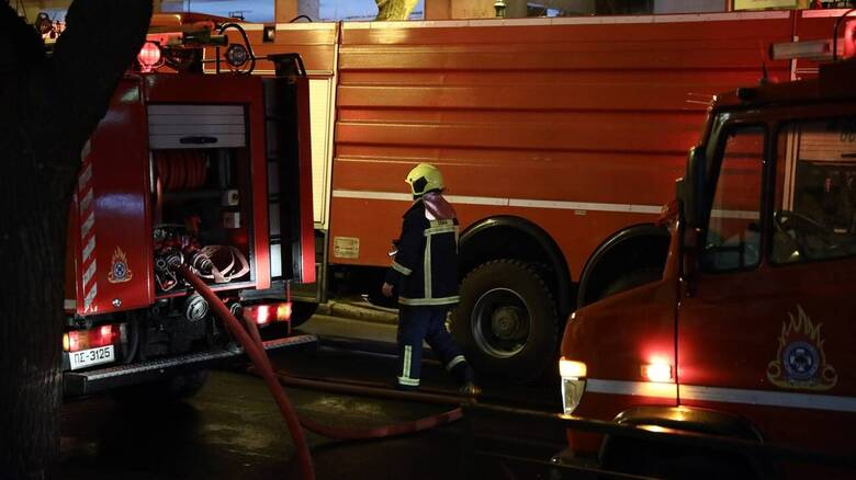 Μεγάλη φωτιά στον Σχίνο Λουτρακίου - Εκκενώνονται οικισμοί