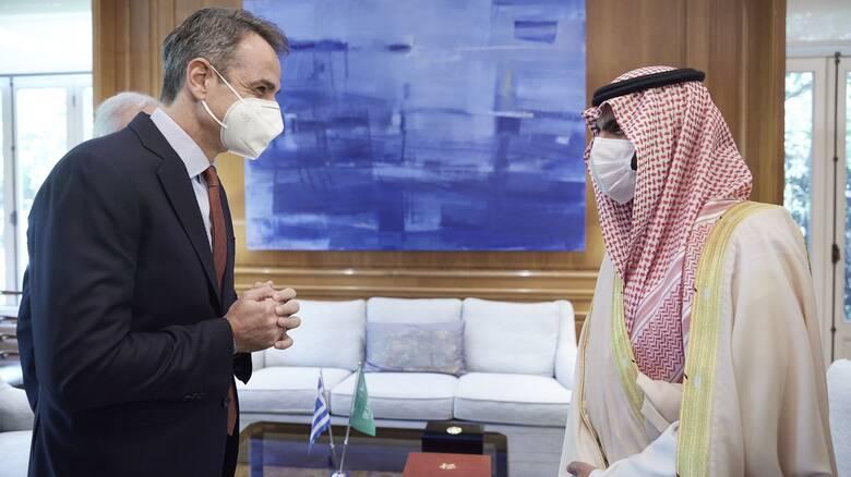 Συνάντηση του πρωθυπουργού με τον υπουργό Πολιτισμού της Σαουδικής Αραβίας