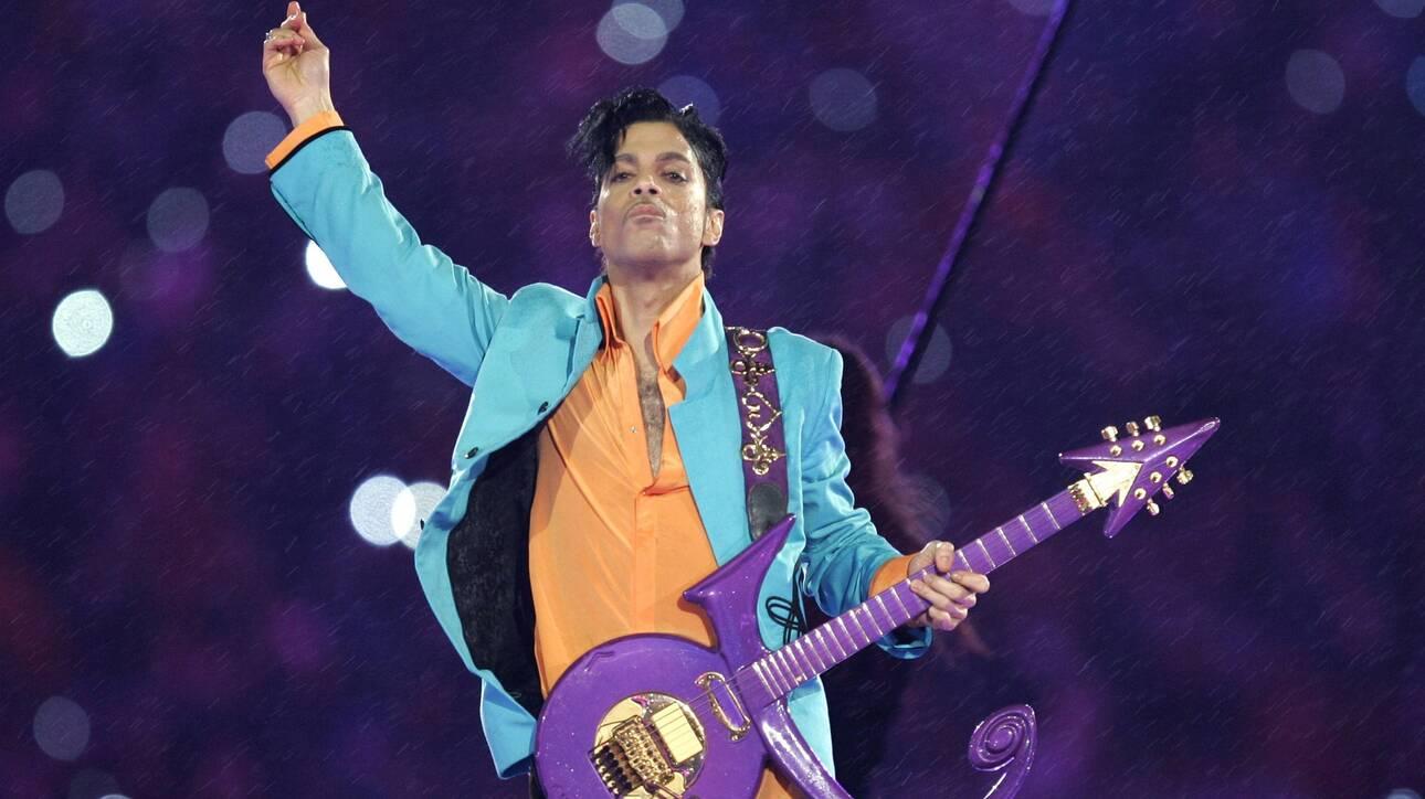 Η θρυλική συλλογή παπουτσιών του Prince παρουσιάζεται σε έκθεση στο Paisley Park