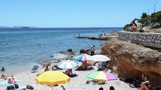 Γαλάζιες Σημαίες 2021: Οι βραβευμένες παραλίες της Αττικής