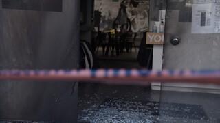Ο ΣΥΡΙΖΑ καταδικάζει τις επιθέσεις στα καταστήματα της συζύγου του Χαρδαλιά