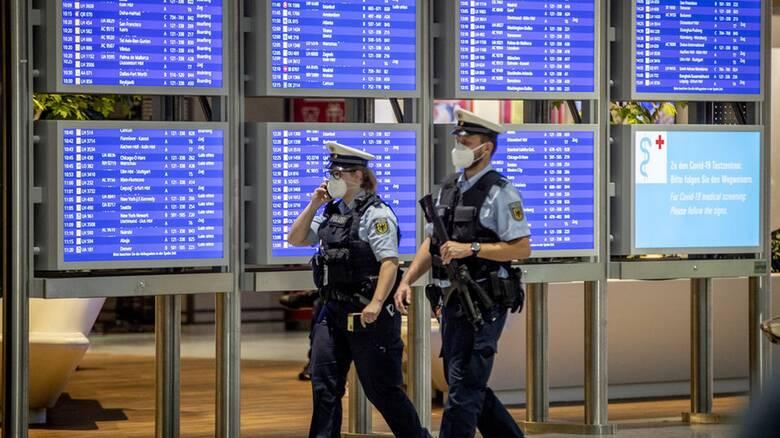 Κορωνοϊός - Γερμανία: Σε καραντίνα δύο εβδομάδων οι ταξιδιώτες από τη Βρετανία