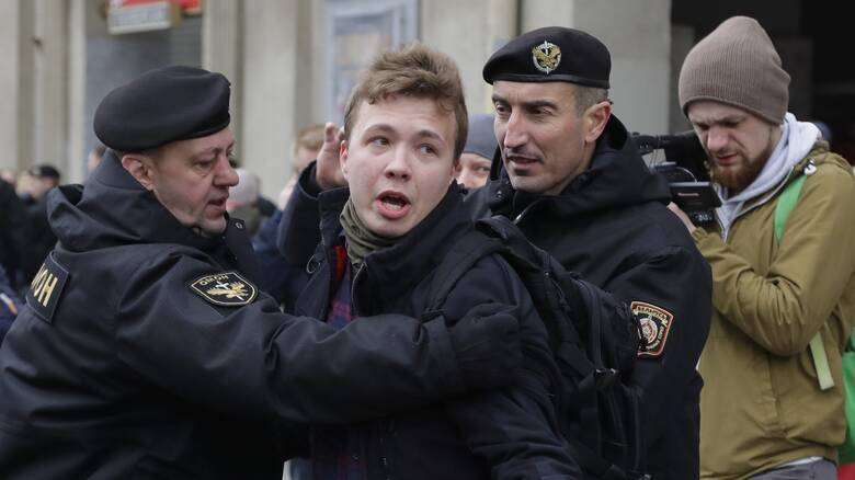 Ρομάν Προτάσεβιτς: Ποιος είναι ο δημοσιογράφος που εξόργισε τον «τελευταίο δικτάτορα της Ευρώπης»;