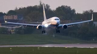 Βρετανία: Να σταματήσουν όλες οι πτήσεις πάνω από τη Λευκορωσία