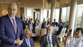 Ρωσία: Με μέλη της ελληνικής ομογένειας στο Γκελεντζίκ συναντήθηκε ο Δένδιας