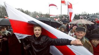 Λευκορωσία: Το μυστήριο με τους επιβάτες που κατέβηκαν στο Μινσκ και τα άλλα ερωτήματα