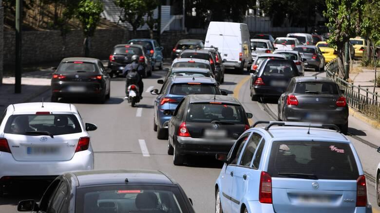 Κίνηση: Χάος στους δρόμους της Αθήνας λόγω και της στάσης εργασίας του μετρό