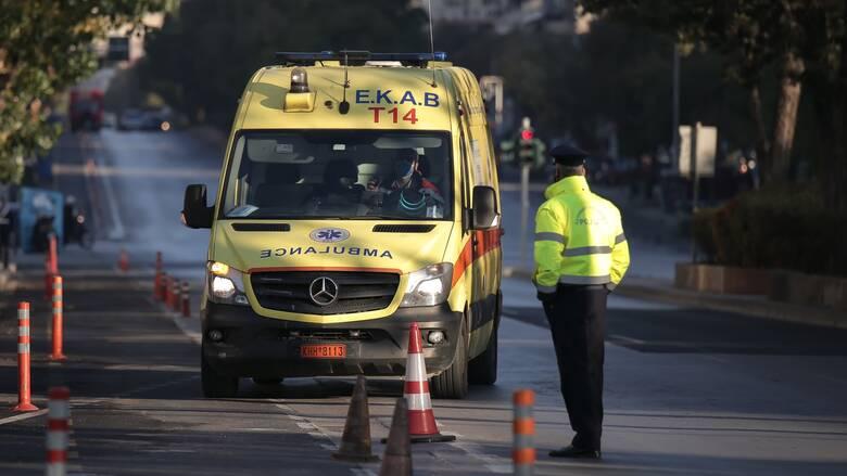 Βουλή: Δωρεά ασθενοφόρου στην Πύλο στη μνήμη του γιατρού Γιάννη Μητρόπουλου