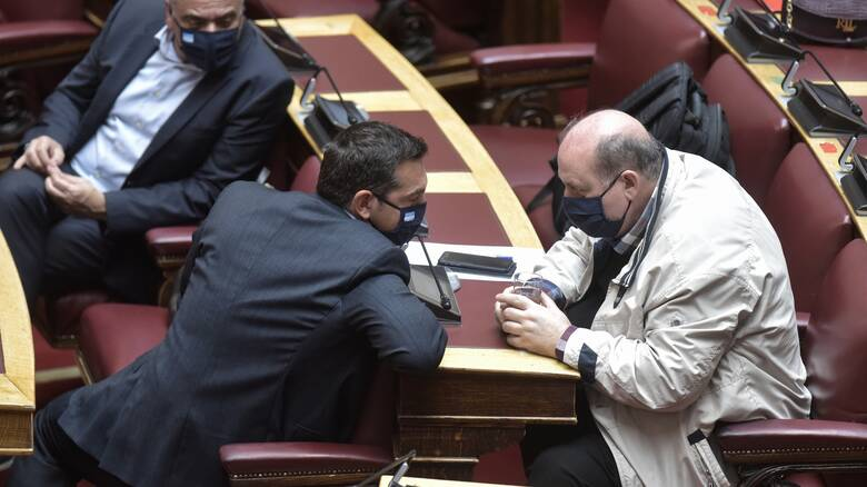 ΣΥΡΙΖΑ: Ο Μητσοτάκης δεν περνάει τη...  βάση