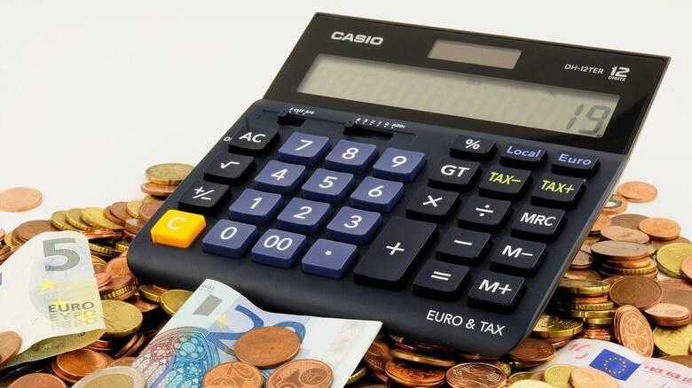 Φορολογικές δηλώσεις 2021: Επιστροφές φόρων, ελαφρύνσεις και παροχές επιδομάτων