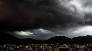 Καιρός: Καταιγίδες στα βόρεια σήμερα - Έντονα φαινόμενα σε Αν. Μακεδονία και Θράκη