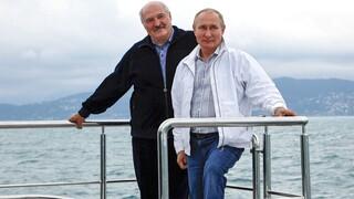 Πούτιν και Λουκασένκο «οργανώνονται» για την αεροπορική σύνδεση Ρωσίας-Λευκορωσίας
