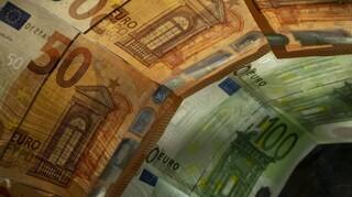 Στα 176,6 δισ. ευρώ ανήλθαν  τον Απρίλιο οι καταθέσεις στο ελληνικό τραπεζικό σύστημα