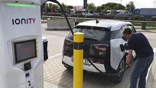 Ιταλικά Ταχυδρομεία: «Πράσινα» με 1.744 ηλεκτρικά αυτοκίνητα