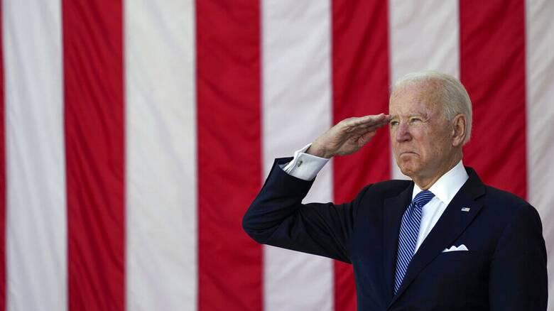 «Η δημοκρατία κινδυνεύει»: Ο Τζο Μπάιντεν στην Ημέρα Μνήμης για τους πεσόντες στρατιώτες