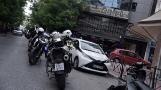 «Χαρτογραφούν» τη Greek Mafia: Έλεγχοι σε νυχτερινά μαγαζιά και μπαρ στα νότια προάστια