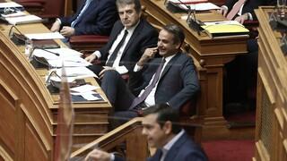 Ο ΣΥΡΙΖΑ θεωρεί τον Χρυσοχοΐδη αδύναμο κρίκο της κυβέρνησης