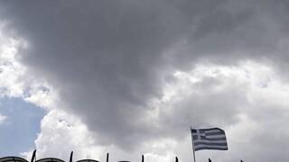 Καιρός: Επιμένουν οι βροχές σήμερα - Πού θα κυμανθεί η θερμοκρασία