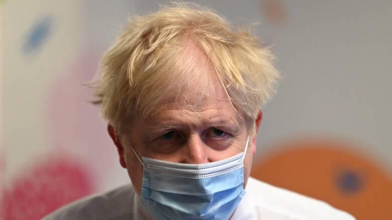 Κορωνοϊός – Βρετανία: Επιφυλάξεις Τζόνσον για το «άνοιγμα» στις 21 Ιουνίου