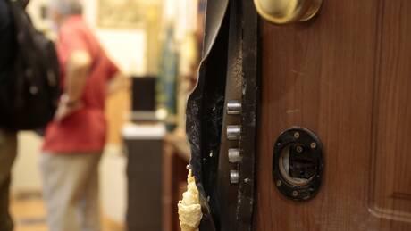 Νέα διάρρηξη στην πολυκατοικία που στεγάζεται το γραφείο του Ευκλείδη Τσακαλώτου