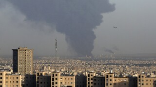 Ιράν: Τεράστια πυρκαγιά σε διυλιστήριο της Τεχεράνης, δεν υπάρχουν αναφορές για θύματα