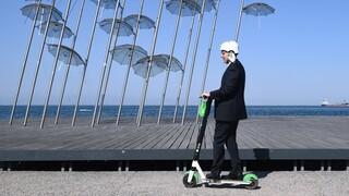 Παγκόσμια Ημέρα Ποδηλάτου: Η «πράσινη» βόλτα των Πάιατ και Ζέρβα στη Θεσσαλονίκη με ηλεκτρικό πατίνι