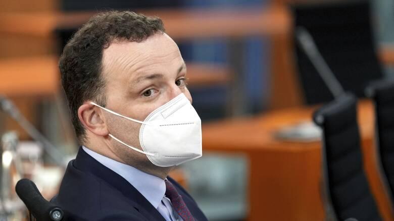 Γερμανία: Σκάνδαλο με μάσκες κορωνοϊού - Το SPD ζητά την παραίτηση του υπουργού Υγείας