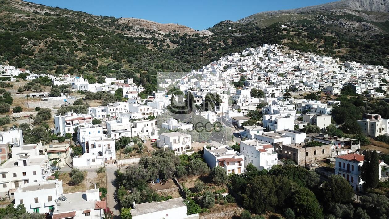 https://cdn.cnngreece.gr/media/news/2021/06/06/268976/photos/snapshot/naxos-DJI_0059.jpg