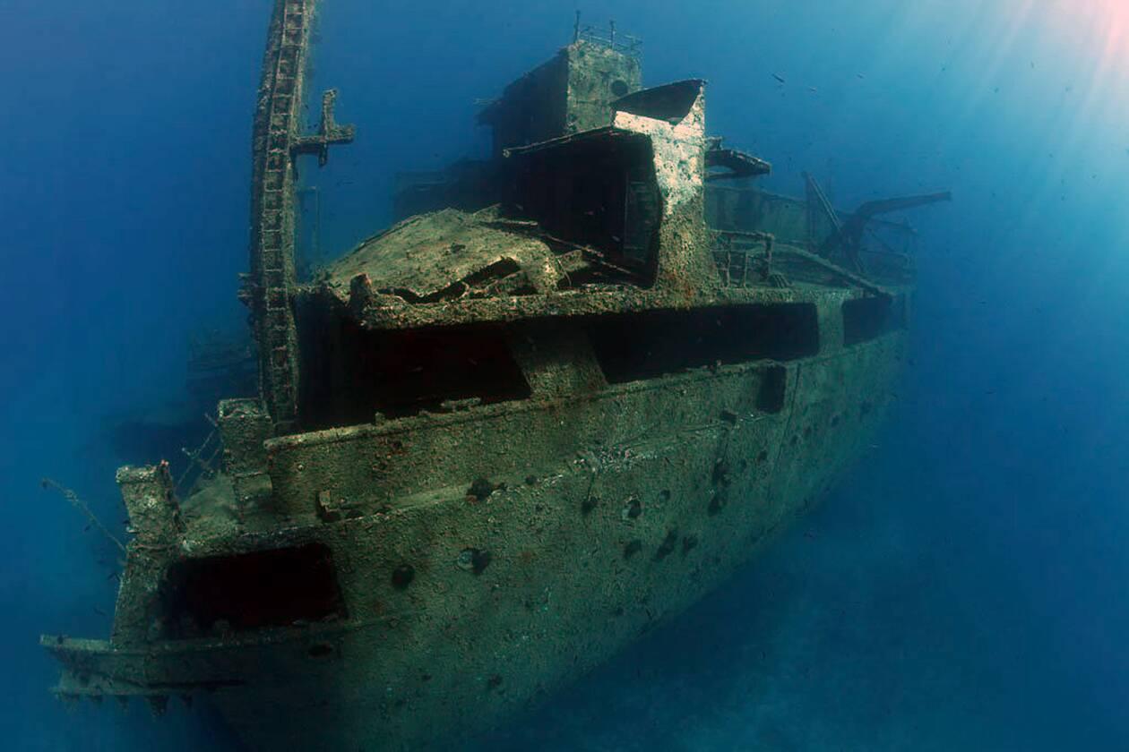 https://cdn.cnngreece.gr/media/news/2021/06/06/268977/photos/snapshot/naxos-diving-bluefin-327-1.jpg