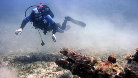 Ρεπορτάζ CNN Greece: Κατάδυση στα ναυάγια και τους υφάλους της Νάξου