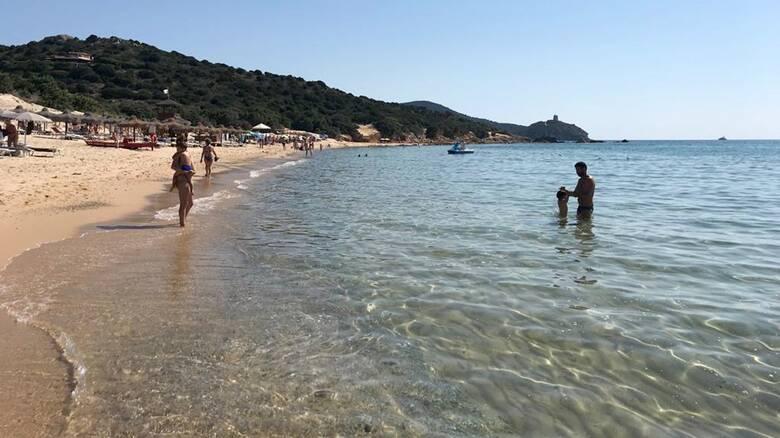 Ιταλία: Βροχή τα πρόστιμα σε τουρίστες για κλοπές άμμου από τις παραλίες της Σαρδηνίας