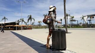 Κομισιόν: «Ελευθέρας» για ταξίδια πλήρως εμβολιασμένων και πριν το όριο των 14 ημερών