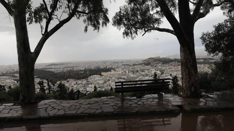 'Εκτακτο δελτίο καιρού: Επιδείνωση με βροχές και χαλαζοπτώσεις μετά το μεσημέρι