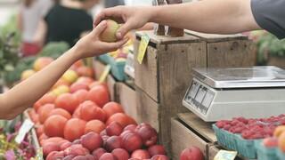 Διατροφή και κορωνοϊός: Ποιοι κινδυνεύουν λιγότερο με βάση τις συνήθειές τους