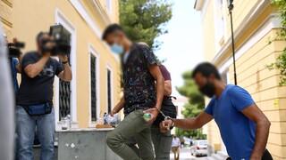 Επίθεση στην πλαζ Αγίας Μαρίνας: Αθωωτική πρόταση για τους δύο κατηγορούμενους