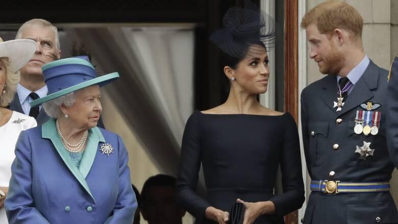 Η υποχώρηση της Ελισάβετ: Κάλεσε τον πρίγκιπα Χάρι στο παλάτι για γεύμα